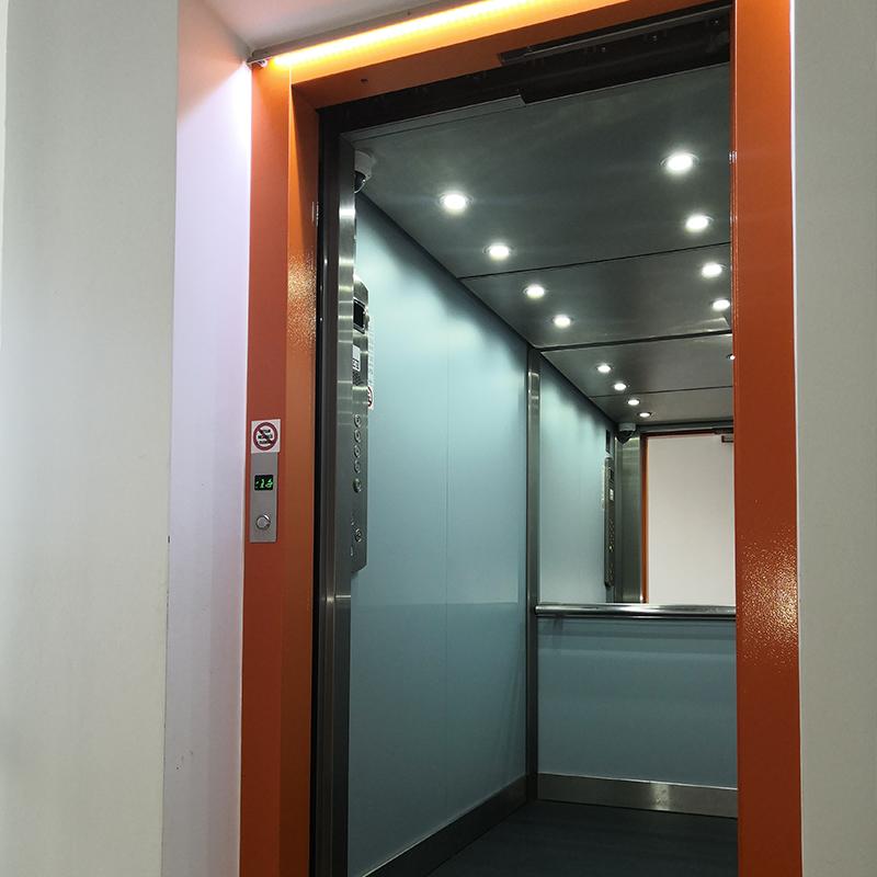 Přestavba výtahu na sídlišti - Praha 13, Volutová ulice 8 vytahy kubik panelak volutova hurka