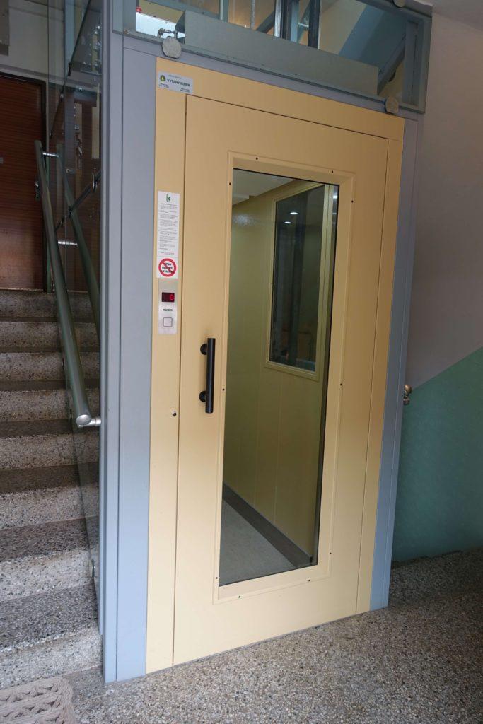 Přestavba výtahu v Cihlářově ulici na Praze 4 5 Cihlářova 5