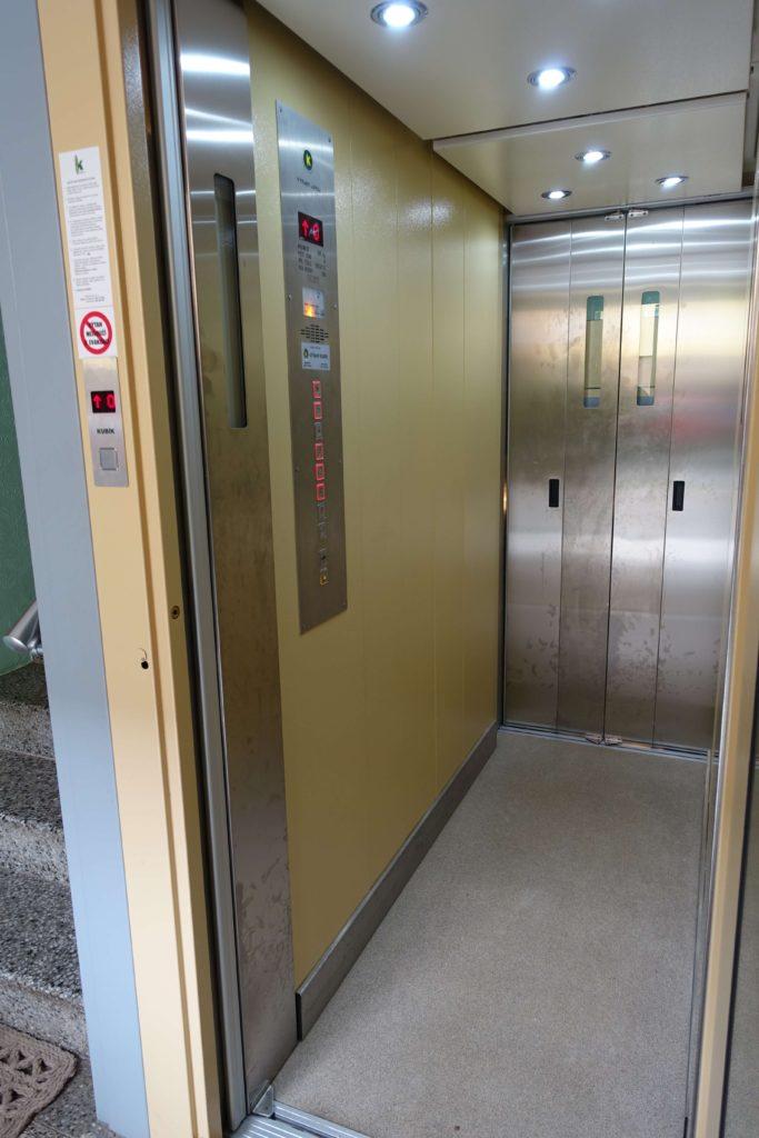 Přestavba výtahu v Cihlářově ulici na Praze 4 4 Cihlářova 7