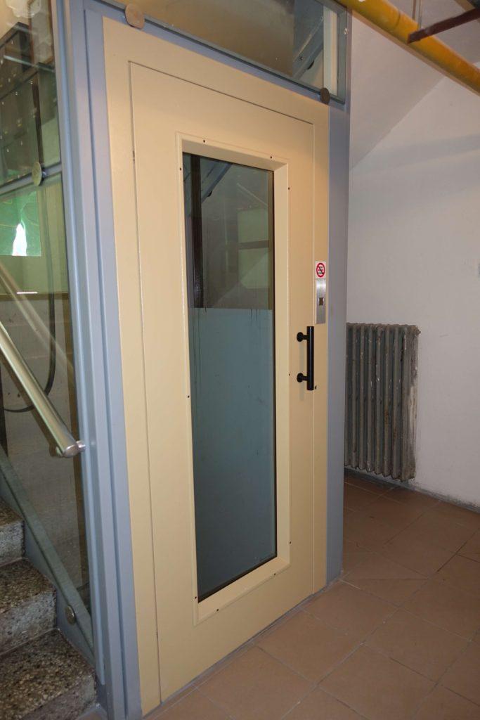 Přestavba výtahu v Cihlářově ulici na Praze 4 1 Cihlářova 9