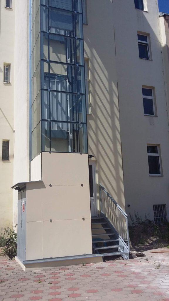 Stavba výtahu v Holečkově ulici na Praze 5 26 Holečkova 4