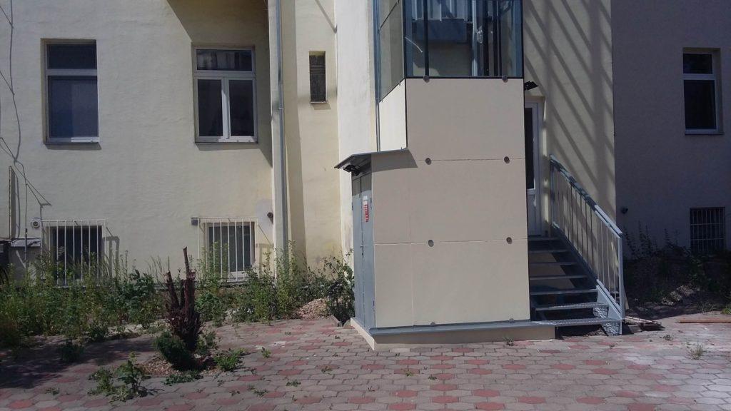 Stavba výtahu v Holečkově ulici na Praze 5 25 Holečkova 5