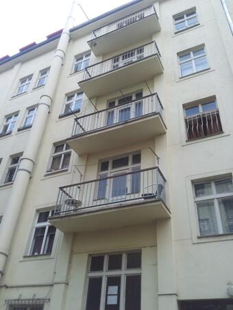 Stavba výtahu v Plzeňské ulici na Praze 5 2 Plzeňská 1