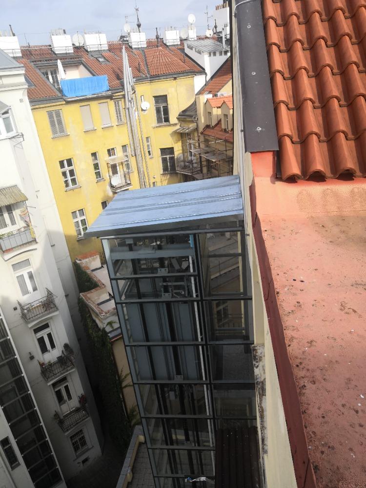 Stavba výtahu v ulici Kozí na Starém městě 2 Kozí 5 2