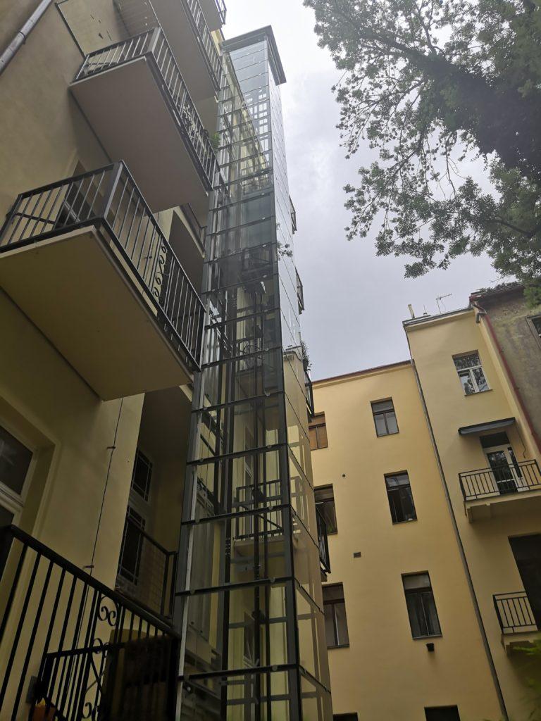 Stavba výtahu ve Zborovské ulici na Praze 5 4 Zborovská 20 3 1