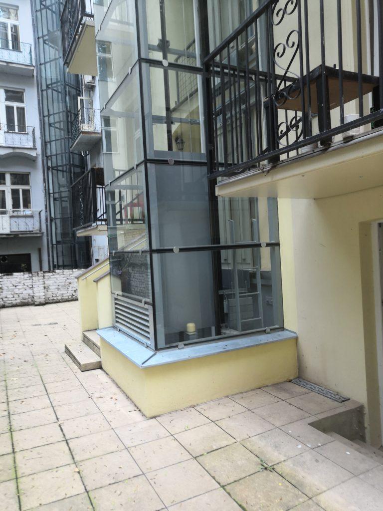 Stavba výtahu ve Zborovské ulici na Praze 5 1 Zborovská 20 4 1