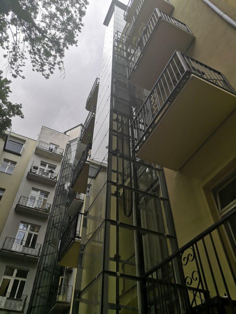 Stavba výtahu ve Zborovské ulici na Praze 5 34 Zborovská 20 5 1
